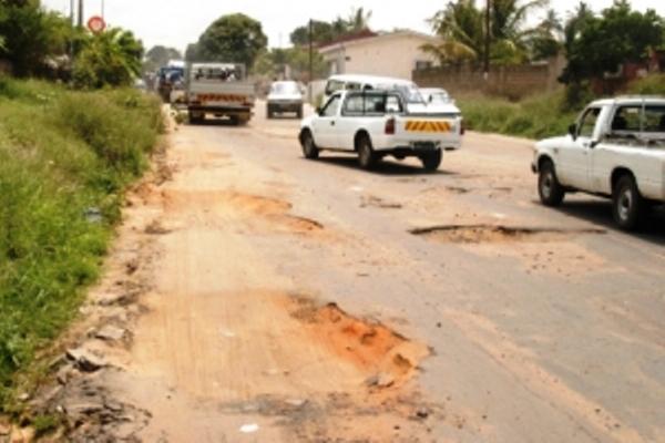 buracos estrada