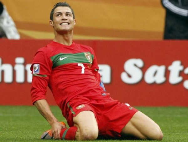 Portugal's Cristiano Ronaldo reacts during the 2010 World Cup group G soccer match against North Korea at Green Point stadium in Cape Town June 21, 2010.   REUTERS/Mike Hutchings (SOUTH AFRICA  - Tags: SPORT SOCCER WORLD CUP)