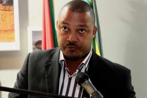 FUTEBOL - Michael Grispos, presidente do Desportivo de Maputo, no jantar de homenagem a equipa pela subida ao Mocambola. Maputo, Mocambique. Terca feira, 19 de novembro de 2013. (SERGIO COSTA/ASF)