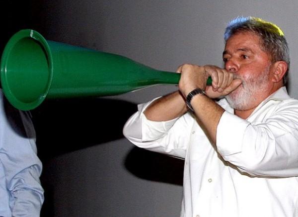 lula_vuvuzela_efe620
