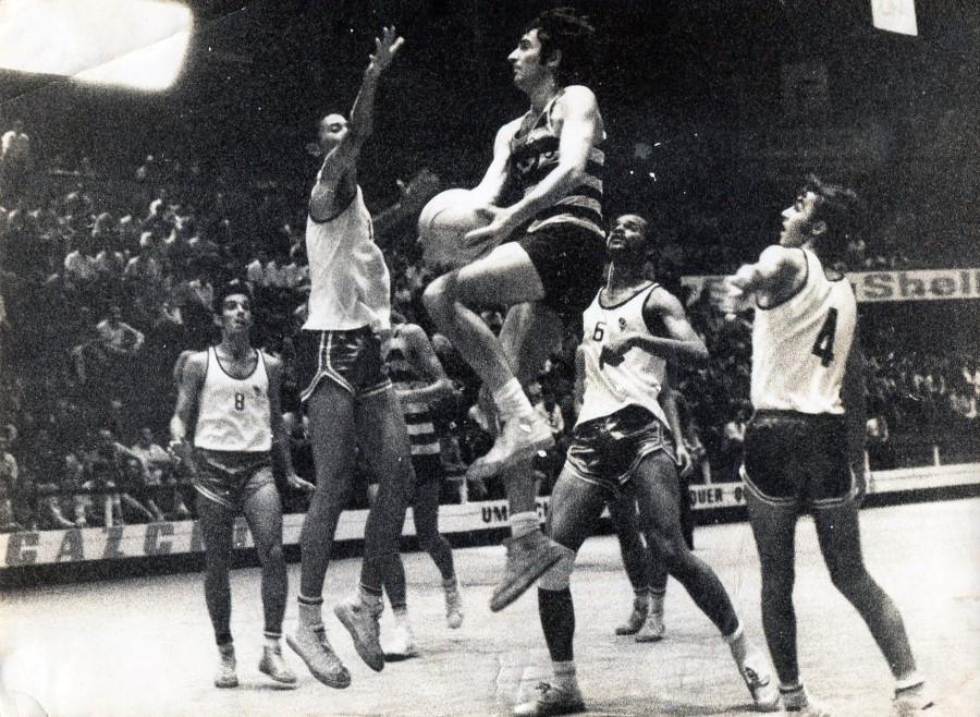 ADIVINHA QUEM SÃO! – Noites escaldantes do basquetebol moçambicano…