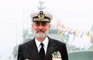 O vice-almirante Gouveia e Melo que vacina o país nasceu em Moçambique...